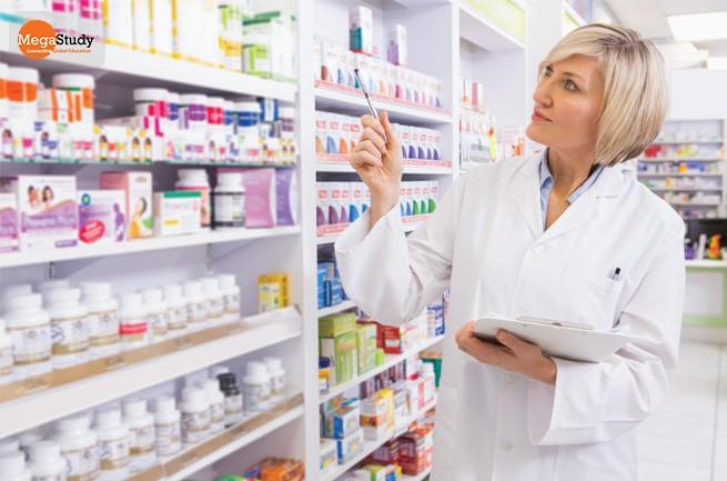 Công việc hàng ngày của một Dược sĩ tại Nhà thuốc