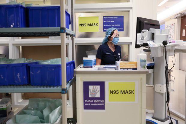 Canada khẳng định khoảng 1 triệu khẩu trang N95 từ Trung Quốc không đạt chuẩn liên bang dành cho nhân viên y tế tuyến đầu chống Covid-19. Ảnh: Reuters